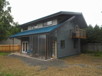 TC Legend Homes, LLC, Bellingham, WA, Affordable Builder, Grand Award Winner. | Builder Ted Clifton Jr, gets big savings at a little price for his tiny two-story in Bellingham, Washington, with construction costs at around $144 per square foot for the 1,055-ft2 home.