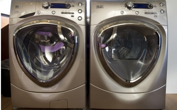 On average, clothes dryers cost $96 per year. Find out how much energy your dryer uses. | Photo courtesy of Dennis Schroeder, National Renewable Energy Laboratory