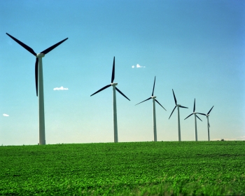 In 2015 alone, installed wind capacity increased by more than 12% (8,100 megawatts), accounting for more than half of all new renewable capacity additions in the United States. | <em>Photo credit: Warren Gretz/NREL</em>