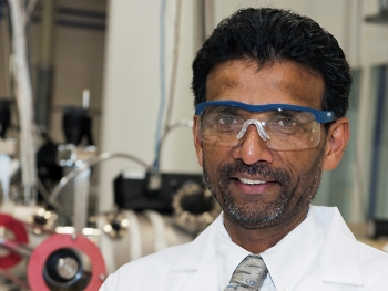 Dr. Siva Sivananthan at the Sivananthan Laboratories in Bolingbrook, Illinois. | Photo courtesy of Megan Strand, UIC