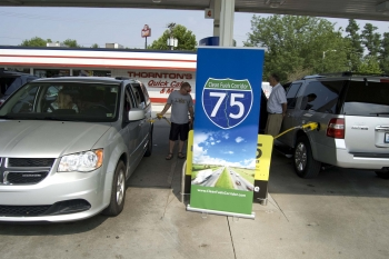 Drivers refuel at a station along the I-75 Clean Fuels Corridor in Lexington, Kentucky.   Photo by East Tennessee Clean Fuels Coalition