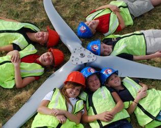Idaho students learn about wind turbines; Source: Wind for Schools