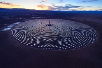SolarReserve's Crescent Dunes Solar Energy Plant in Nevada is the first utility-scale facility in the world to use advanced molten salt receiver technology, which was developed with funding from the SunShot Initiative. The 110 megawatt power plant incorporates storage to power 75,000 homes, day or night. Photo Courtesy of SolarReserve.