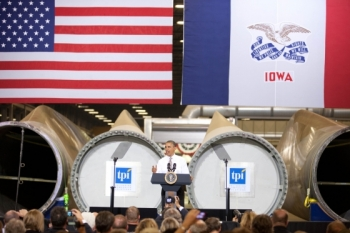 President Barack Obama delivers remarks at TPI Composites wind turbine blade facility in Newton, Iowa. | Photo Courtesy of the White House.