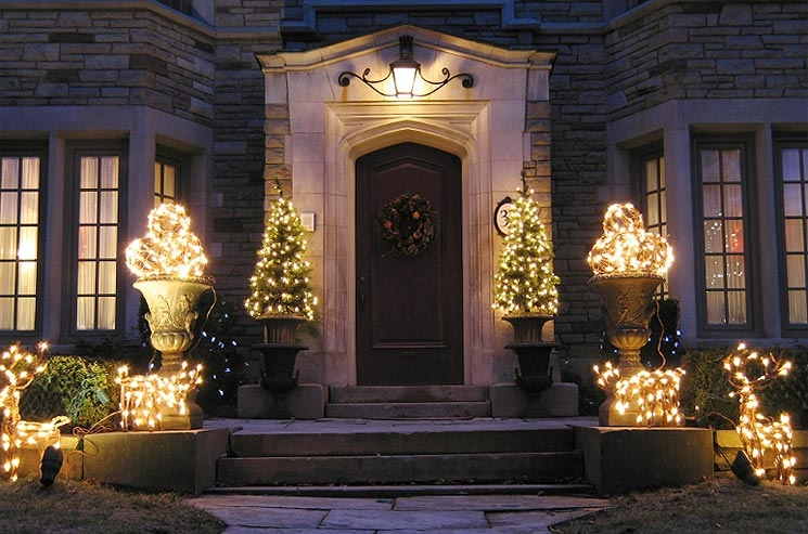 Using led lights for your holiday decorations can save you energy and money photo