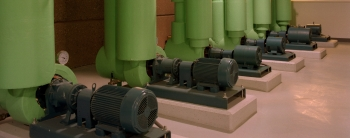 Chilled water pumps at a central plant. Image by Warren Gretz, NREL/06196