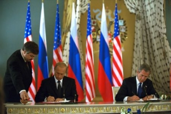 May 24, 2002: Bush and Putin sign agreement to reduce nuclear arsenal