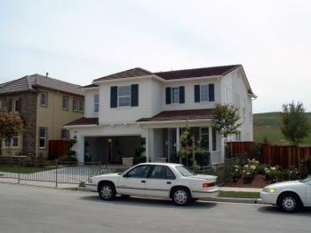 Production builder Centex Homes built ultra-efficient model homes in San Ramon, California.'s Aventura and Lunaria community developments. Credit: Davis Energy Group.