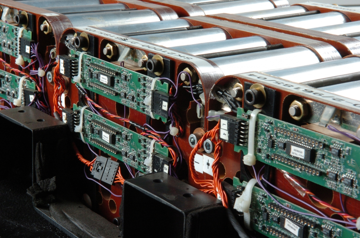 Batteries department of energy improving the batteries for electric drive vehicles including hybrid electric hev and plug in electric vehicles pev is key to improving vehicles sciox Images