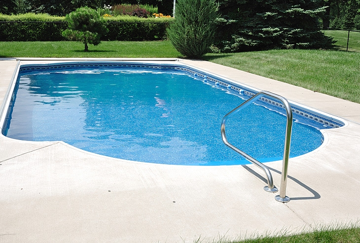 Attrayant You Can Reduce The Cost Of Heating Your Swimming Pool By Installing A  High Efficiency