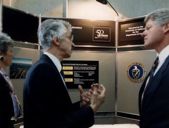 President Clinton Tours LANL, 1993