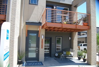 Doe tour of zero row homes at ridgegate by thrive home for Thrive homes denver
