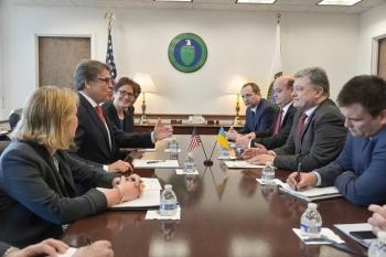 U.S. DOE Secretary Rick Perry with Ukraine President Mr. Poroshenko