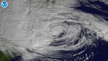 Image of Hurricane Sandy hitting the coast of the United States.