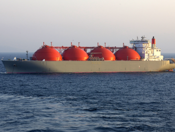 Ship exporting liquified natural gas