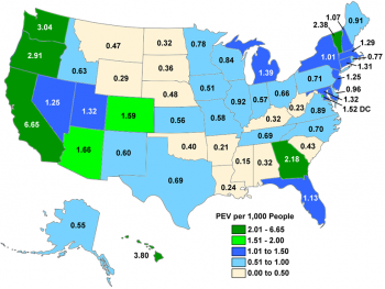 Map of the US showing PEV registrations per 1,000 people in each state.
