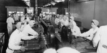1944: Women work the fuze and booster assembly line at Pantex Plant when it made conventional bombs for World War II.