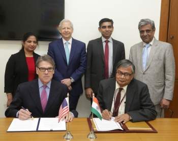 Secretary Perry signs neutrino research MOU with Indian Energy Minister