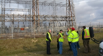 SSAB members tour switchyard area