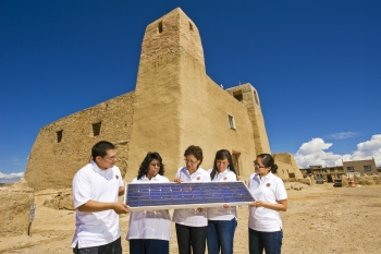 Photo of 2011 summer Sandia interns.