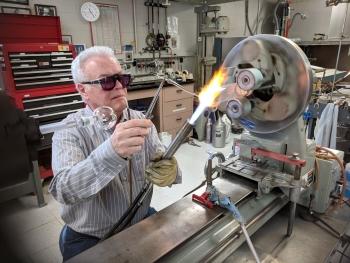 glassblowers at argonne national laboratory