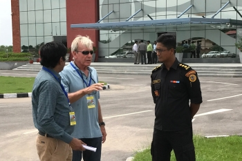 Dr. Fred Harper of Brookhaven National Lab working with Indian counterparts during the field exercise portion of the workshop