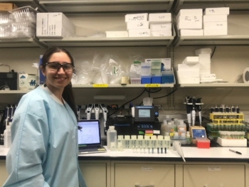 Florida International University DOE Fellow Silvina Di Pietro performs soil and groundwater experiments at Pacific Northwest National Laboratory.