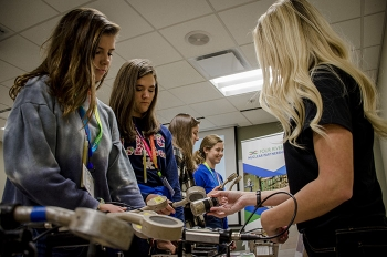 Students learn how radiation detection equipment is used at EM's Paducah Site