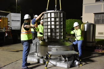 An NNSA team recovers a cesium-137 self-shielded irradiator from a hospital in Houston while using a 435-B Type B container.