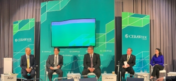 ASFE Winberg on a panel discussing enhanced oil recovery