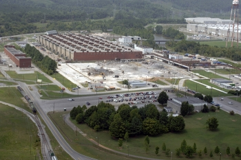 A view of the Building K-29 demolition site as the teardown was nearly finished in 2006. The building was surrounded by Building K-27, the K-731 Switch House, and the Poplar Creek facilities, which are now cleared away.
