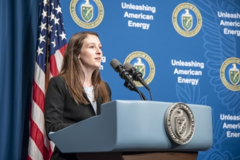 2019 NGFP fellow Sarah Sarnoski addresses the fellows, family, and friends.