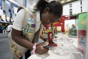 Local Girl Scouts had the opportunity to start earning a Brookhaven Lab patch by interacting with Brookhaven scientists and participating in STEM activities at the launch event.