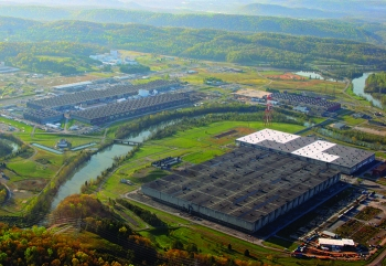 An aerial view of K-25, K-27, K-31, and K-33 at the East Tennessee Technology Park before they were demolished.
