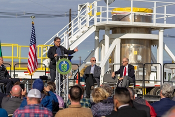 Energy Secretary Rick Perry welcomes invited guests and thanks Hanford workers during a celebration marking the completion of a decade-long project to remove contaminated sludge from near the Columbia River.