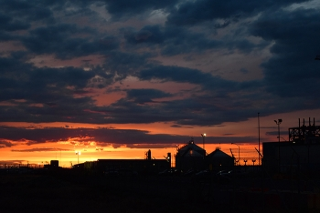 The sun may go down, but work doesn't stop at Hanford's Waste Treatment and Immobilization Plant.