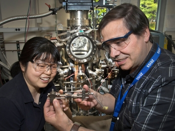 Distinguished Scientists Fellow José Rodriguez from Brookhaven Lab worked with fellow chemist Ping Liu to characterize structural and mechanistic details of a low-temperature catalyst for producing hydrogen gas from water and carbon monoxide.