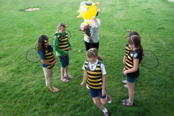 """In this """"Science Trek' episode from 2013 (when the program was still called """"Dialogue for Kids""""), guest scientists Kirk Tubbs and Ron Bitner were on hand to answer students' questions about bees."""