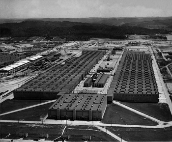 A view of the K-25 Building in the 1940s. At the time of construction, it was the largest building in the world, but it was kept secret from the public.