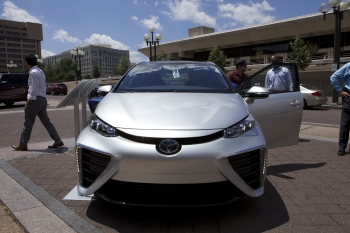 Fuel Cell Cars Hitting the Road