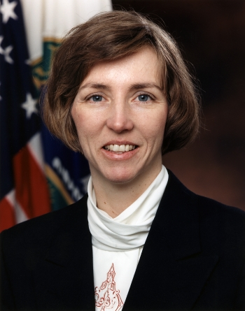 Linda Stuntz