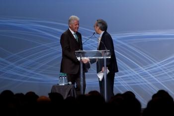 Secretary Chu and President Bill Clinton