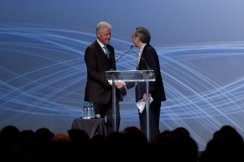 Secretary Chu and President Bill Clinton
