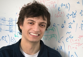 During internships at Brookhaven Lab, Raffaele Miceli created data visualizations and explored applications for quantum computing.