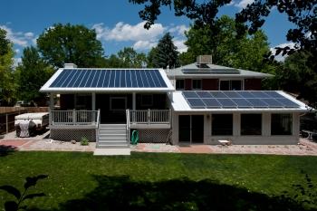 This Lakewood, Colorado home was built in 1956. Brent and Mo Nelson upgraded the home with multiple solar technologies including; daylighting, passive solar and active solar. They also have an 80 gallon solar hot water heater. | Photo by Dennis Schroeder, National Renewable Energy Laboratory.