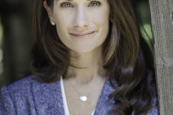 Headshot of Sarah Zaleski.