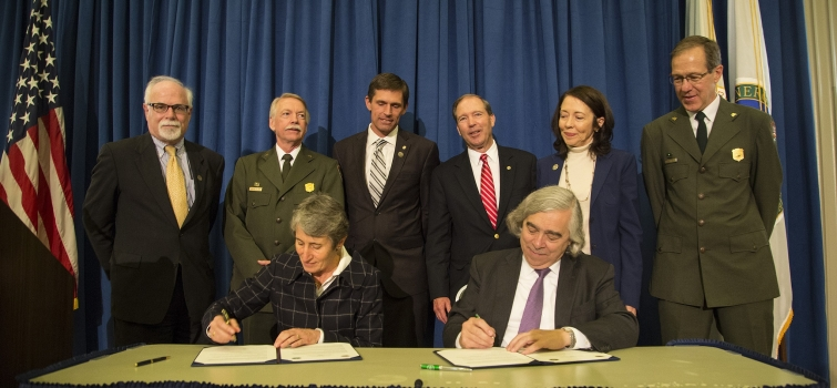 November 10, 2015: Manhattan Project National Historical Park Established