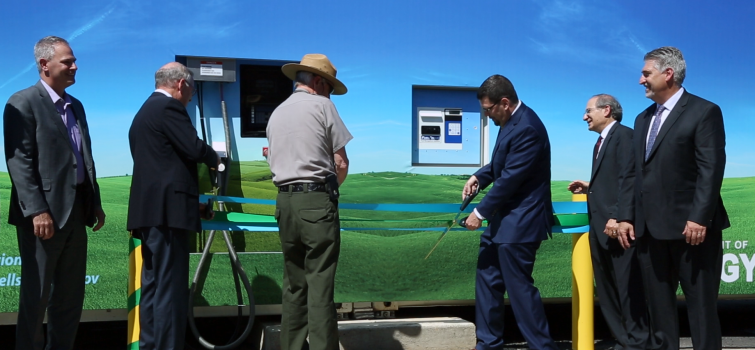 WATCH: Recent videos feature hydrogen fueling tips, a new station, and AMR plenaries