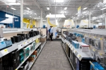When shopping for appliances or electronics for the holidays, look for the ENERGY STAR® and EnergyGuide labels.   Photo by Dennis Schroeder, NREL 22090.