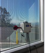 The Portable Window Energy Meter — jointly developed by researchers from Brazil and the United States — can reduce energy losses in buildings by measuring and assessing the energy performance of windows without removing them from their site.